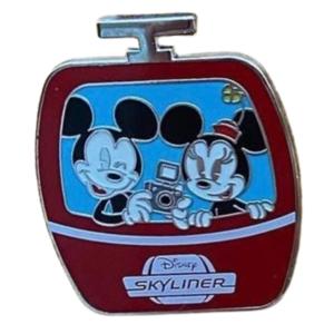 Skyliner mystery box - Mickey and Minnie pin