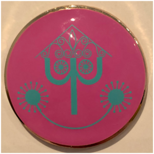 small world Clock Face Minnie Mouse Main Attraction pin