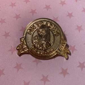 Sally (Gold) - Keep on Trading Mystery Collection pin
