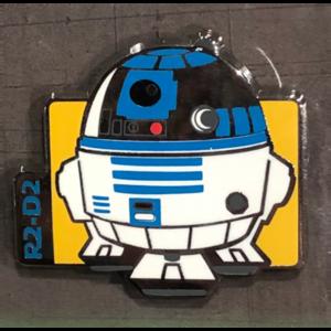 R2-D2 cutie booster pin