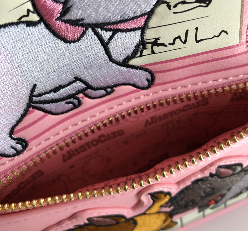 Front pocket with Aristocats lining
