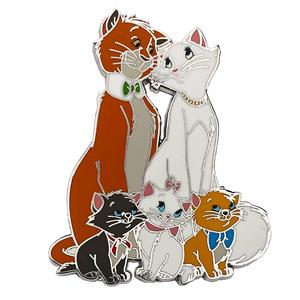 Aristocats family portrait pin